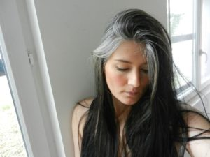 Можно выдёргивать седые волосы